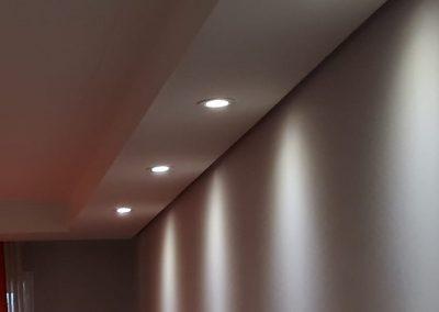 instalação de spot lampada dicroica